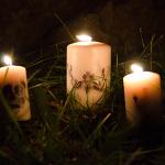 Des bougies customisées pour un Halloween drôlement DIY