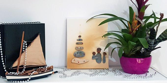les galets se mettent en sc ne une nouvelle id e d co pour les f tes de no l two pour le diy. Black Bedroom Furniture Sets. Home Design Ideas